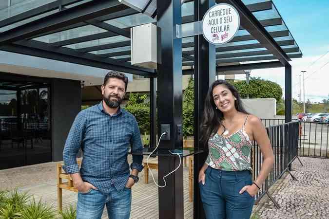 Mariana Esteves e Fernando Luiz de Oliveira, s